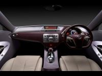2005_Nissan_Foria_Concept_Dashboard_1024x768.jpg